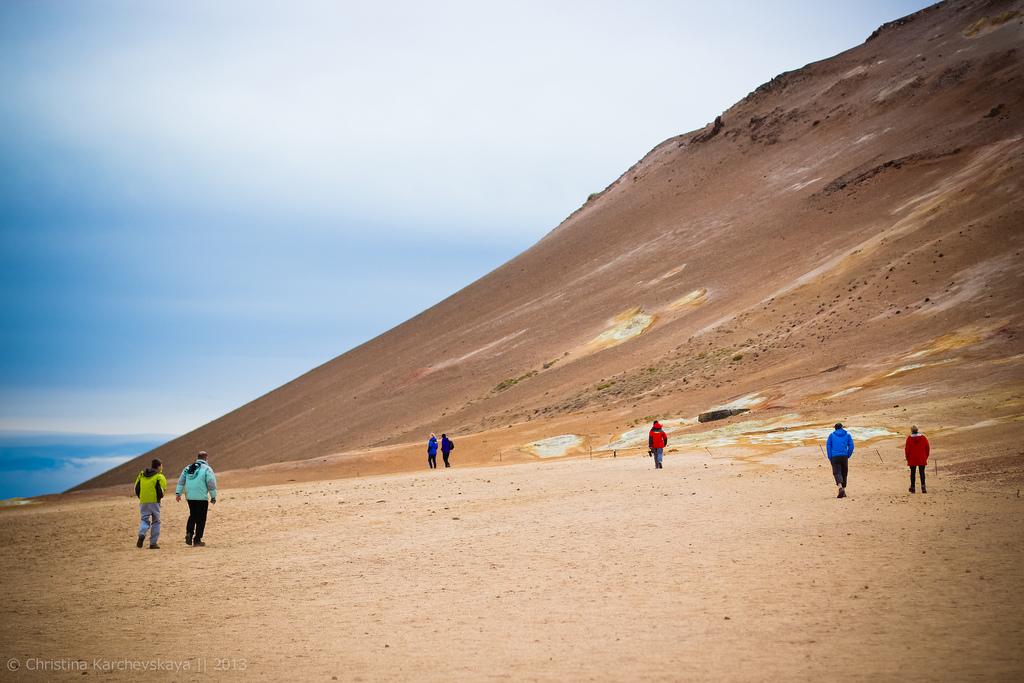 Исландия [12]: День 4, часть 2. Намафьял. Оранжевые реки, черные берега!