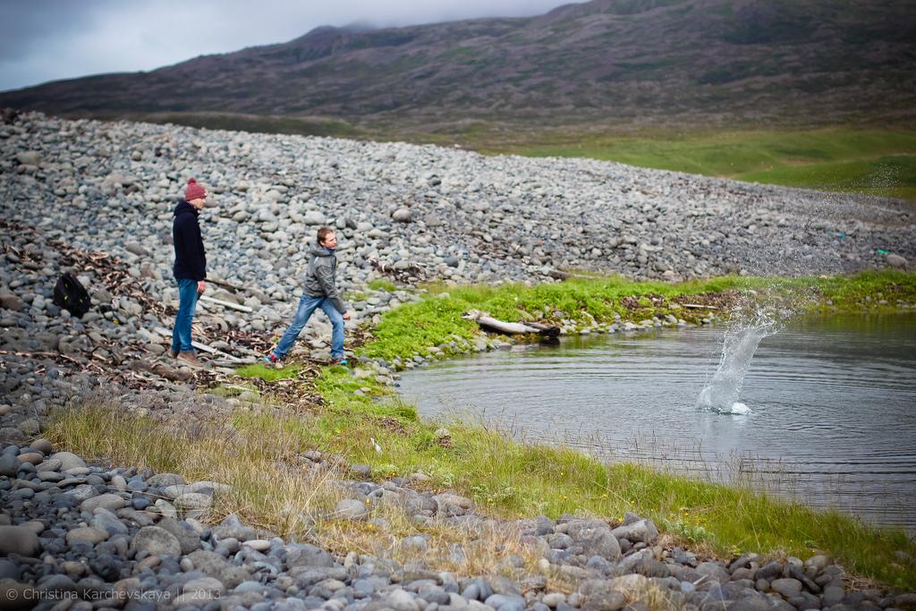 Исландия [13]: День 5. Акюрейри, коса и камни, тоннели и всем закатам закат